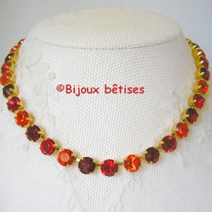 Camaieu de rouges collier